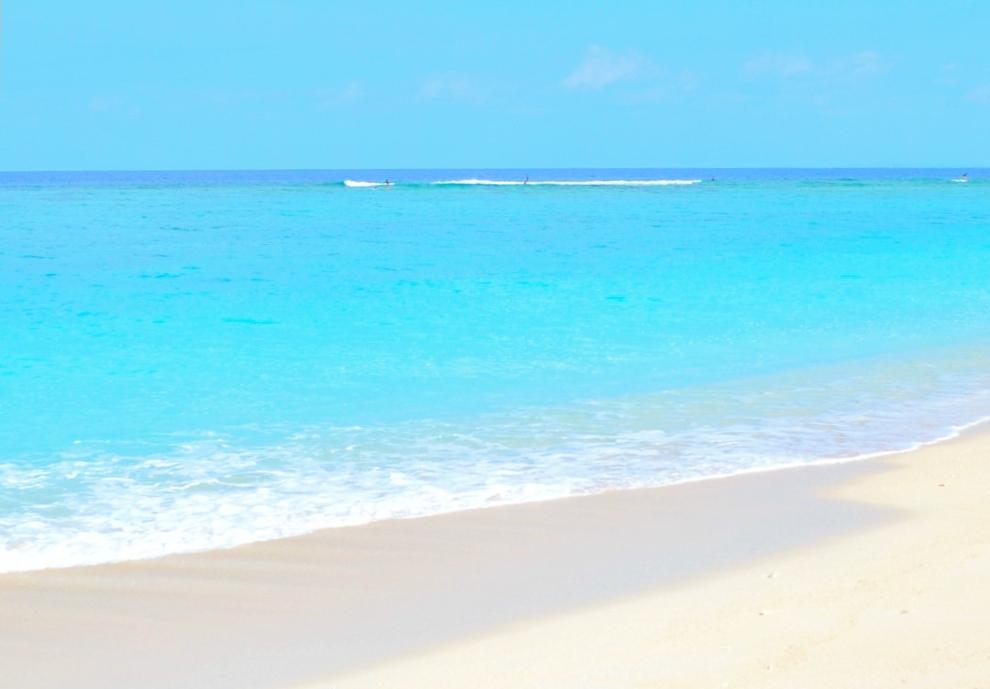 北部の瀬底島ビーチ - 沖縄 ...