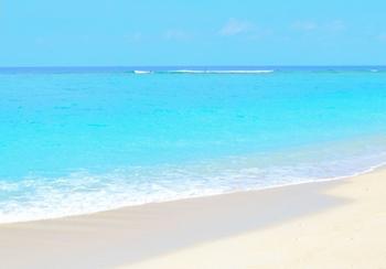 北部の瀬底島ビーチ