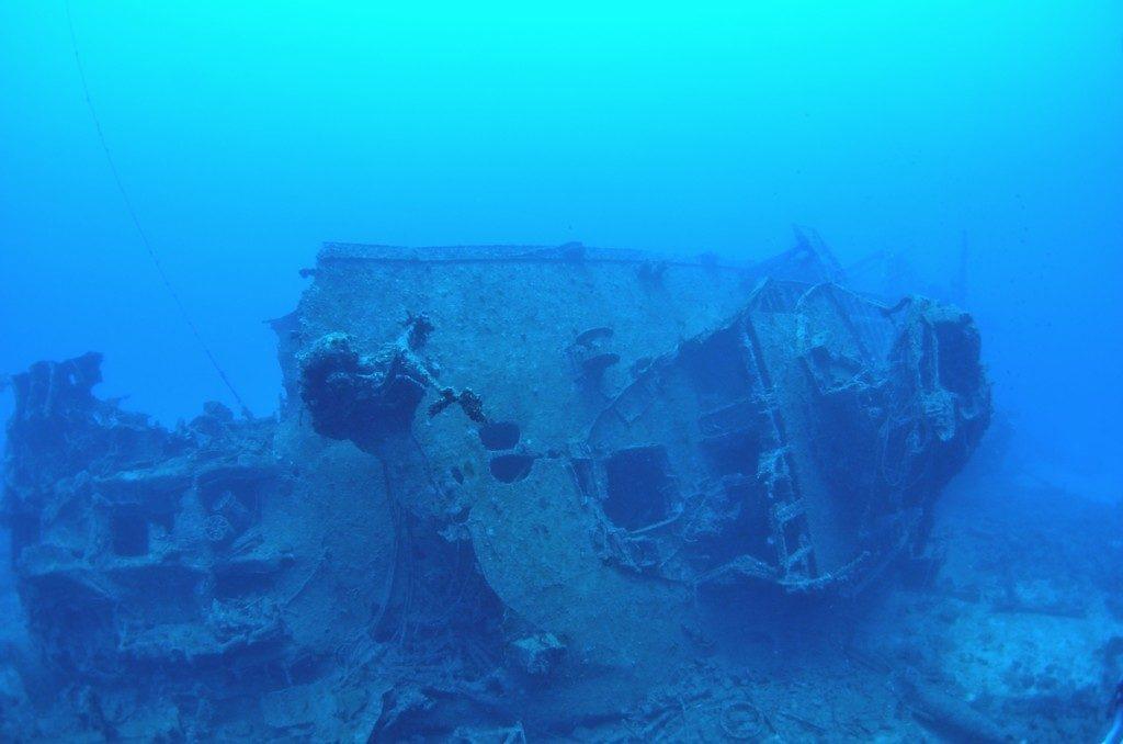 沈没船 USSエモンズ 船尾1