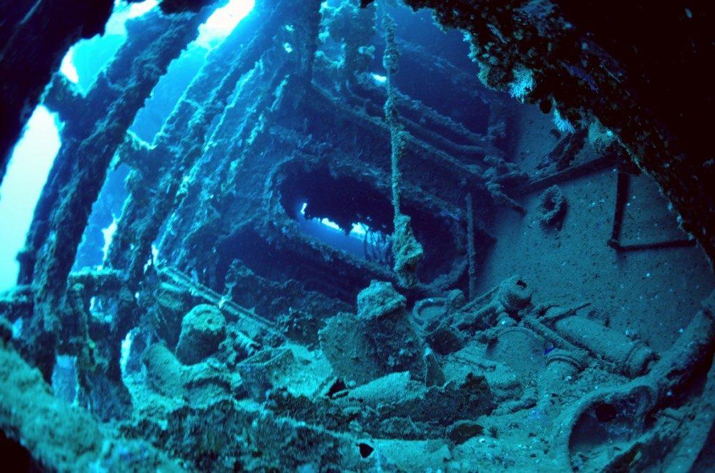 沈没船 USSエモンズ 船体
