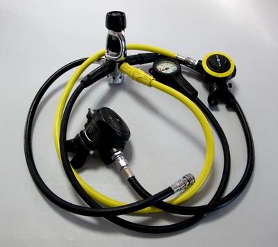ダイビング器材 レギュレーター(呼吸器) 各部の名称