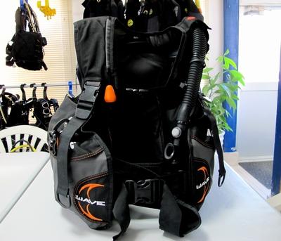 ダイビング器材 BCD(浮力調整具)の意味と役割