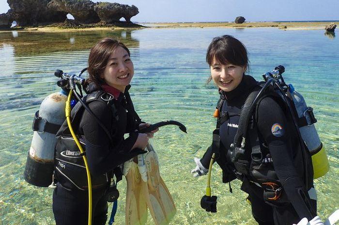 沖縄青の洞窟でダイビングライセンス