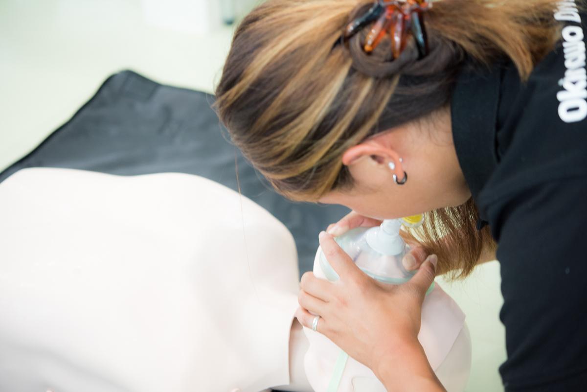 CPR(心肺蘇生法)ポケットマスクの使用