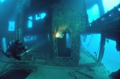 宮古島 沈没船「カーフェリー」