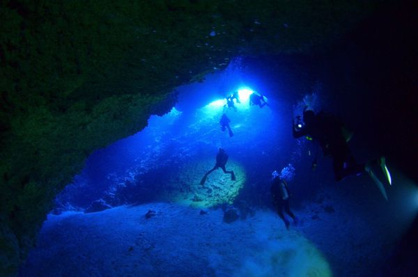伊江島 オホバNO2・大洞窟
