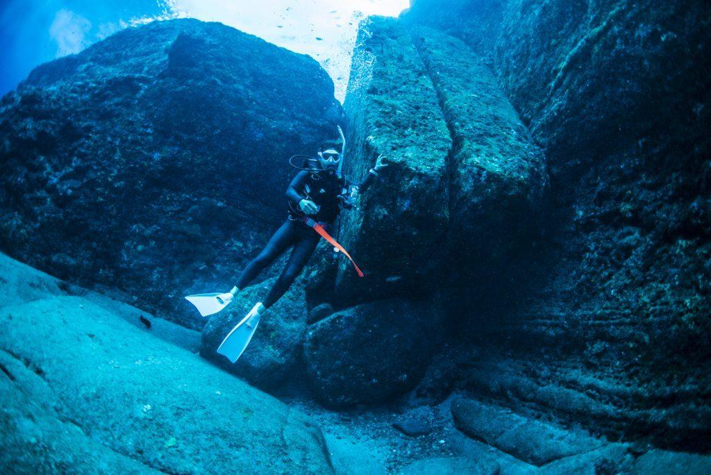 沖縄 与那国海底遺跡 二枚岩