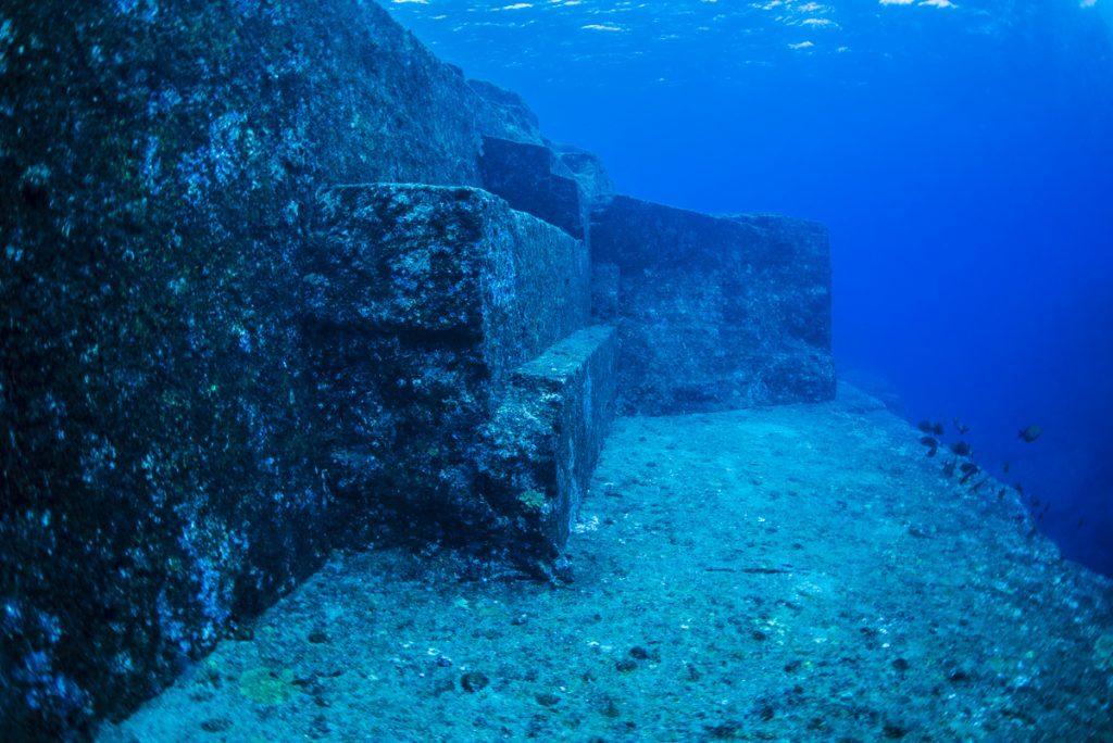 沖縄 与那国海底遺跡 メインテラス