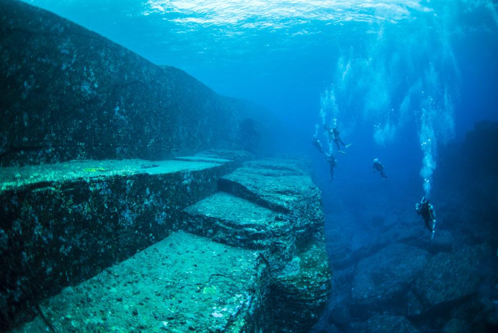 沖縄 与那国海底遺跡 メインテラスの階段