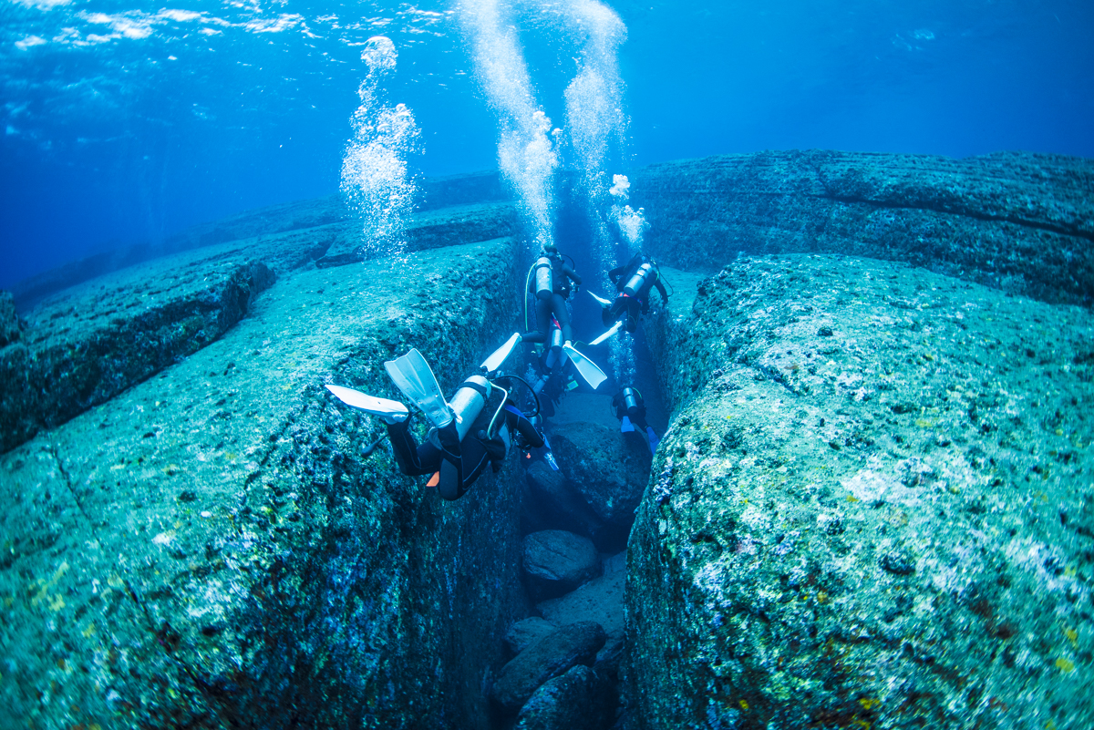 沖縄 与那国海底遺跡 カメのモニュメント
