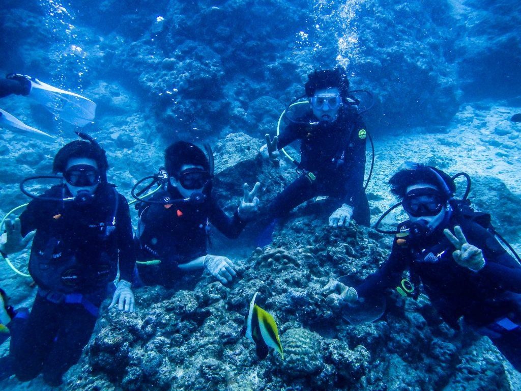 青の洞窟4人旅