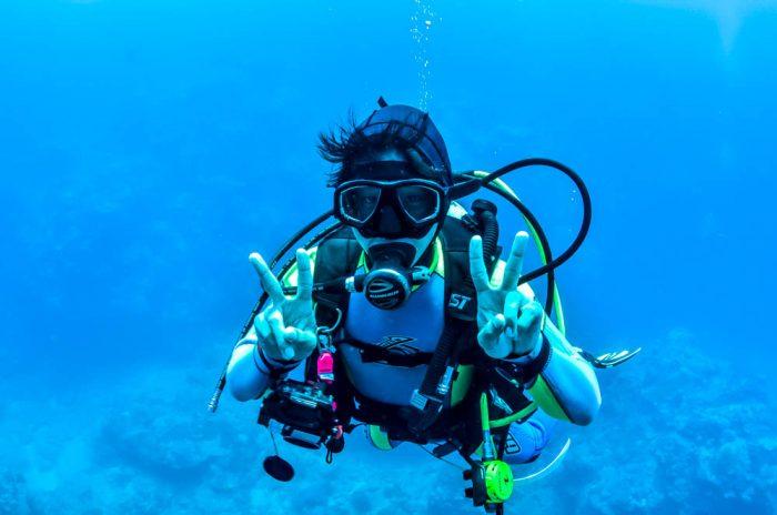 沖縄本島・糸満市の大渡海岸(ジョン万ビーチ)でダイビング