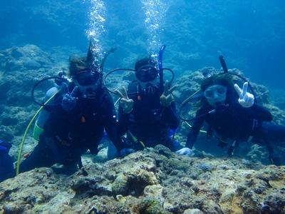 沖縄 青の洞窟でライセンス講習