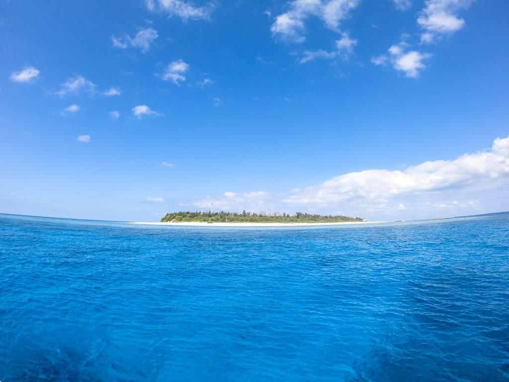 恩納村から出発 沖縄本島北部 水納島・瀬底島ファンダイビング