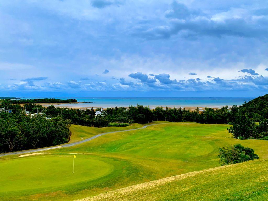 沖縄で念願のゴルフしてきました☆