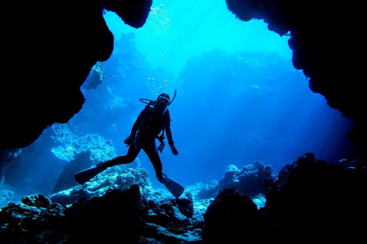 瀬底島のダイビングスポット